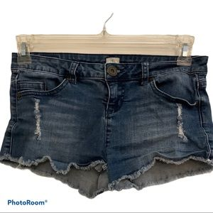 O'Neill distressed jean shorts size 16